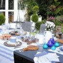 jak udekorować stół na przyjęcie w ogrodzie