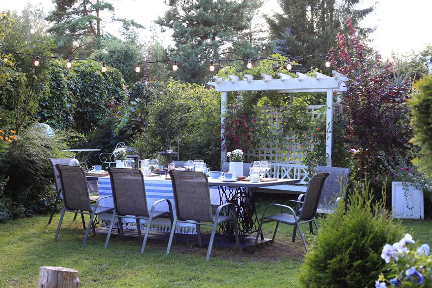 komplet ogrodowy stół i krzesła