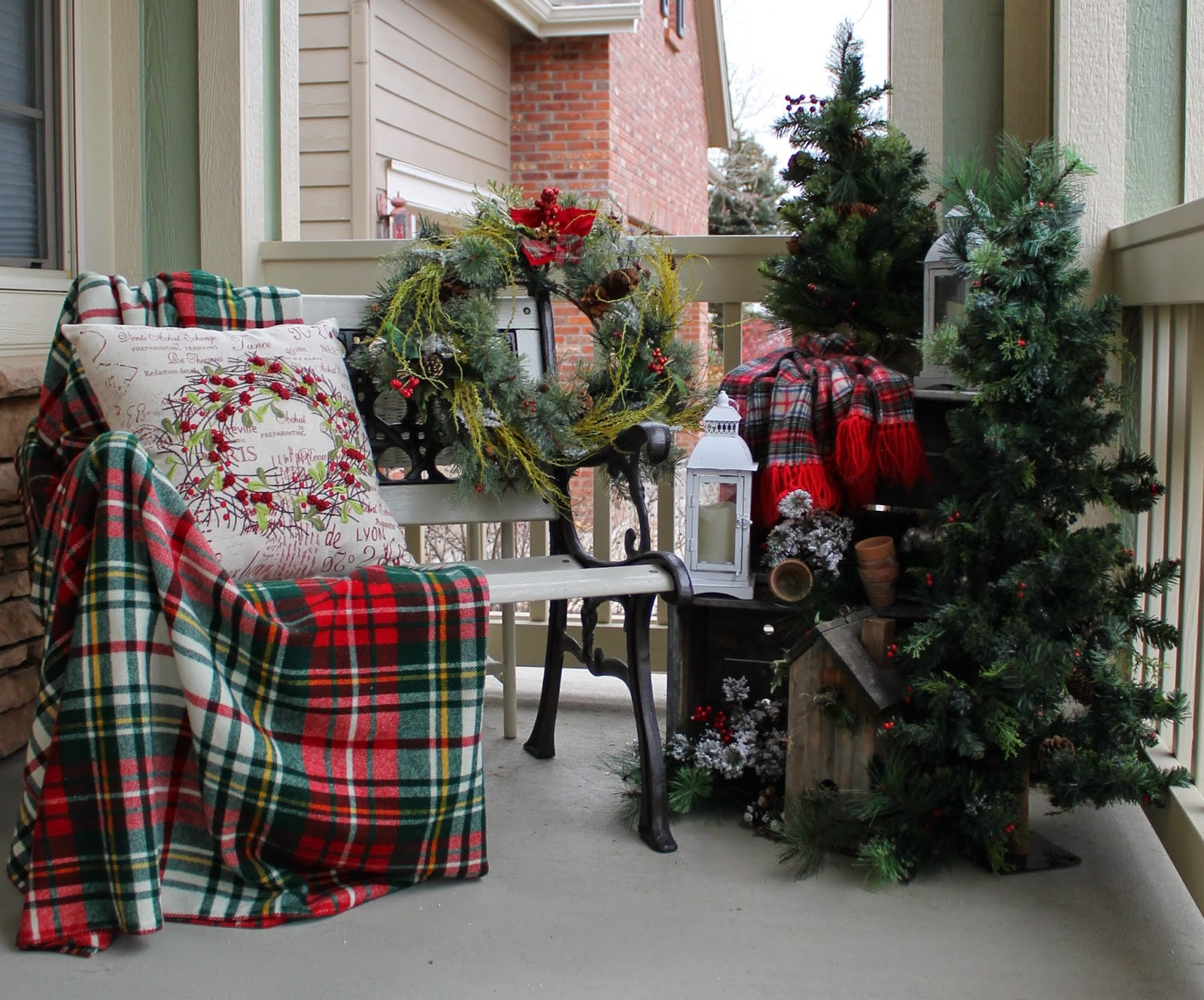 Jak ozdobić taras na święta Bożego Narodzenia