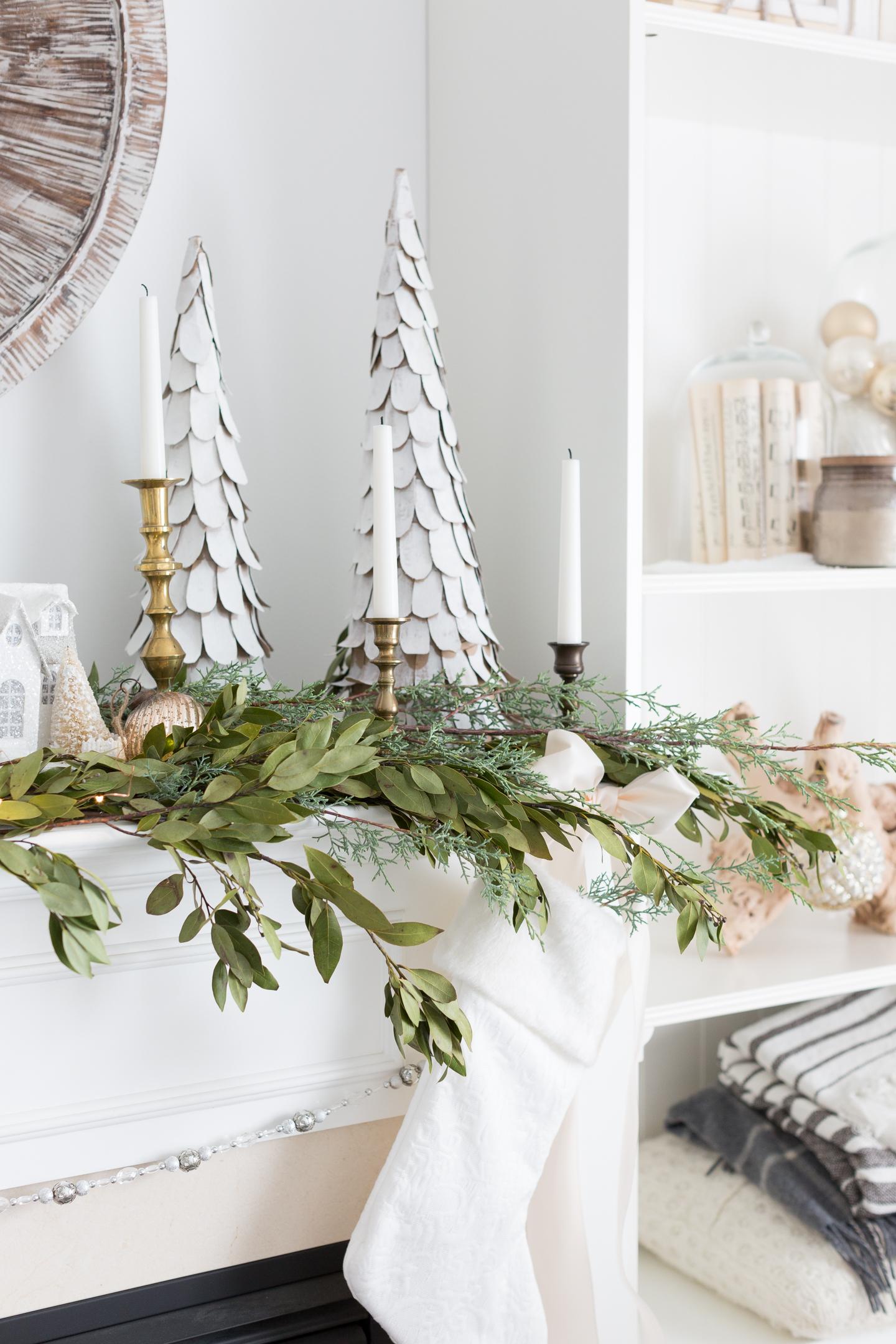 Jak ozdobić kominek na święta Bożego Narodzenia