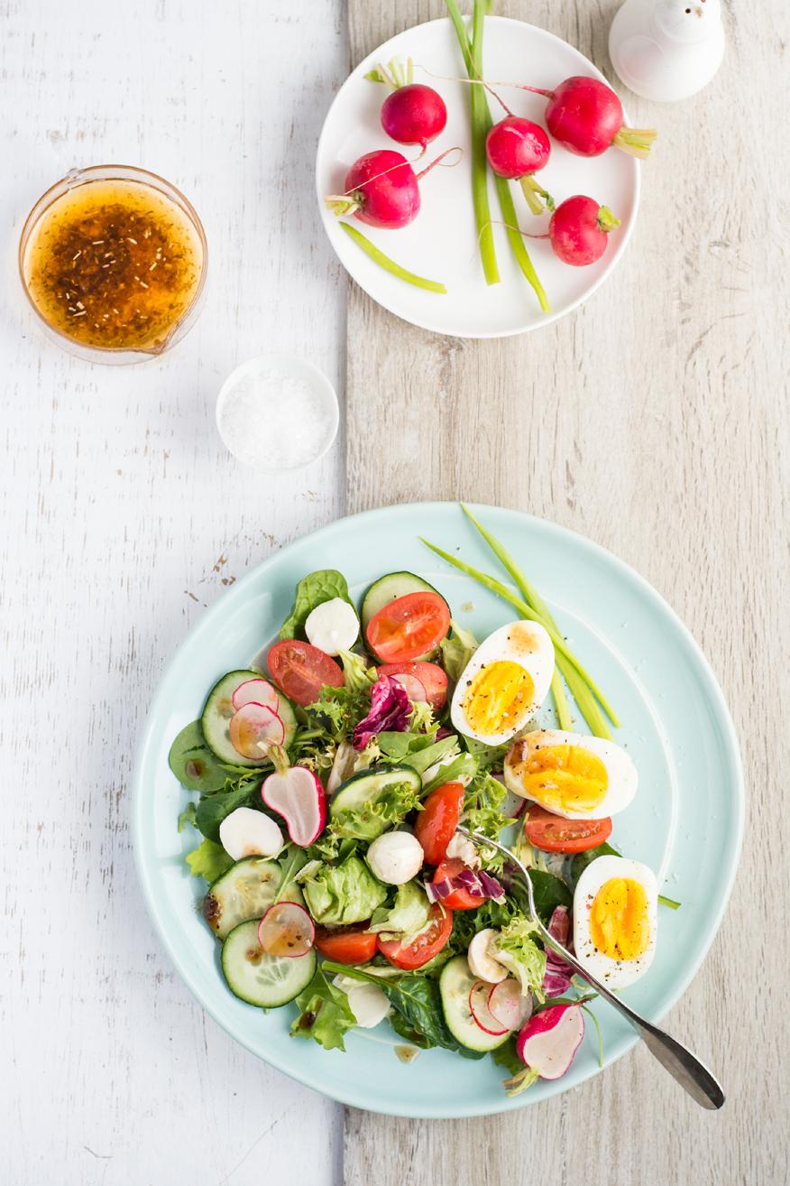 Wiosenna sałatka z jajkiem