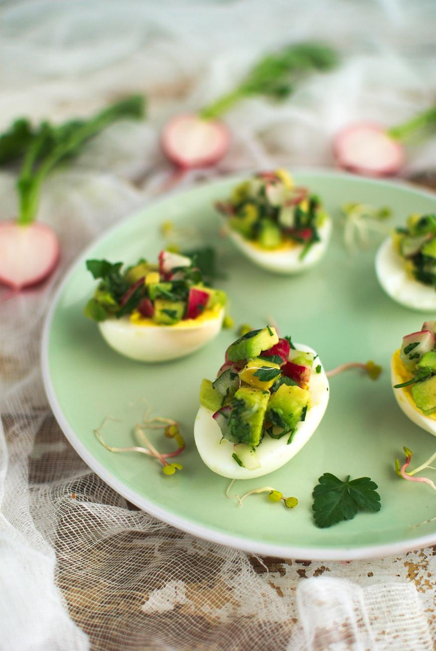 jajka faszerowane awokado- wielkanocne przepisy