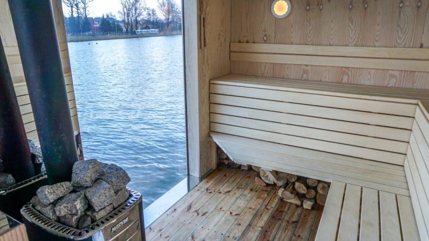 HT Houseboats GREEN CANOE spa